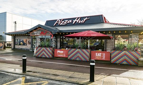 Pizza Hut Unveils 237000 Makeover At Wigan Restaurant