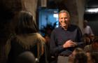 Howard Schultz steps down as Starbucks\' executive chairman